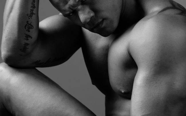 photographe genève séance photo homme maquilleuse maquillage make up shooting portrait noir blanc art artistique