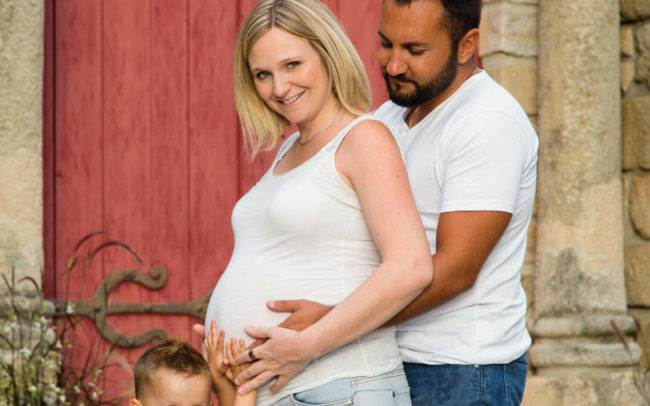 photographe genève maquillage maquilleuse coiffure make up beauty grossesse bebe enceinte exterieur couple famille