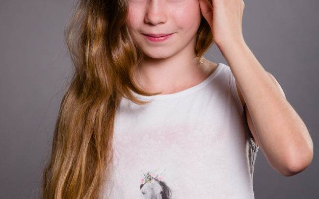 photographe geneve child children enfant fille portrait mode maquillage maquilleuse
