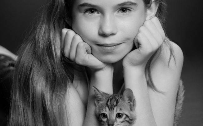 photographe petshoot petbook animaux chat chaton geneve geneva nb noir blanc enfant portrait