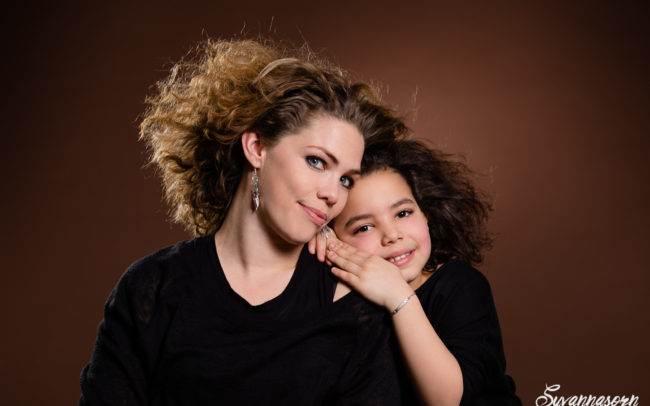 séance photo genève geneva photographe maquillage maquilleuse mère fille portrait famille enfant