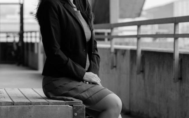 séance photo genève geneva photographe maquillage maquilleuse nb noir blanc femme extérieur