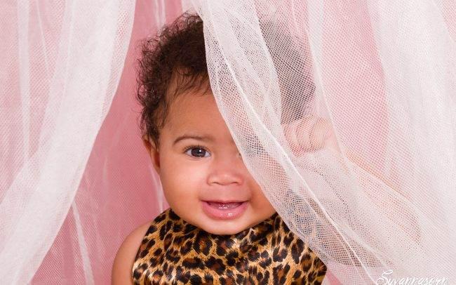 séance photo geneve photographe femme enfant bebe baby book fille portrait