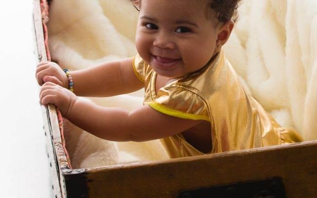 photographe genève enfant baby book famille séance photo fille rose femme