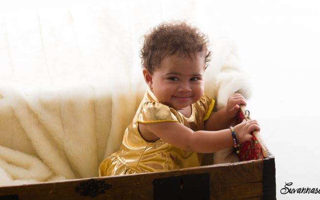 photographe genève enfant baby book famille séance photo fille rose