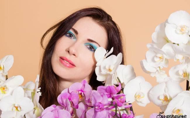 femme séance photo genève photographe portrait maquillage maquilleuse orchidée fleur beauté