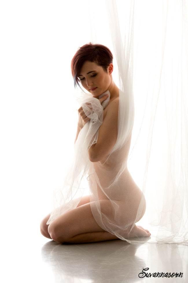 nu charme femme séance photo genève photographe maquillage maquilleuse