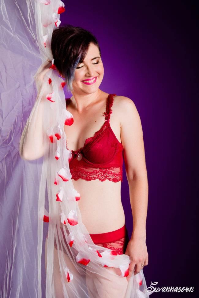 femme boudoir lingerie charme sexy séance photo genève photographe portrait maquillage maquilleuse