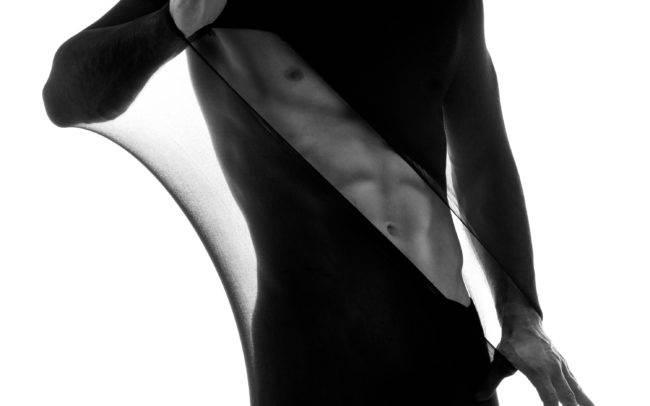 homme séance photo photographe genève sexy nu artistique collant art shooting noir blanc